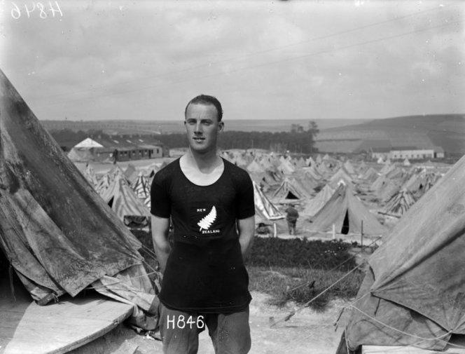 H E Wilson (Gunner). Royal New Zealand Returned and Services' Association: New Zealand official negatives, World War 1914-1918. Ref: 1/2-013427-G. Alexander Turnbull Library, Wellington, New Zealand.
